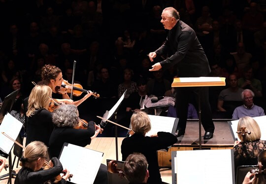 Sir Mark Elder conducts Britten Sinfonia © Mark Allen